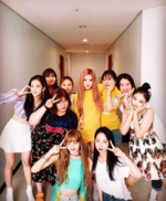 Rosé IG Update with members and stylists 180806
