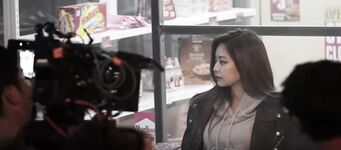 Whistle MV Behind the Scenes 13