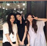 Yu hyewon IG Update with Jisoo 180828