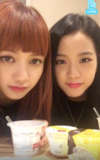 Jisoo and Lisa V Live 170928