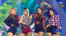 BLACKPINK Whistle ending pose 2