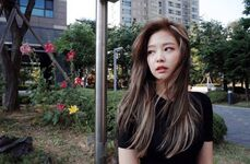 Jennie stylist IG Update