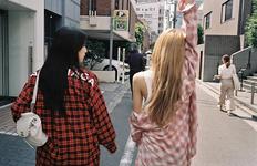 Rosé IG Update of Jisoo and Lisa 181212