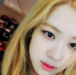 Rosé closeup selfie