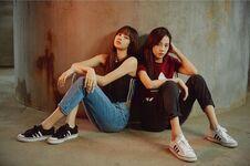 Lisa & Jisoo IG Update 190518