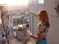 Lisa Behind The Scenes of Trevi 2