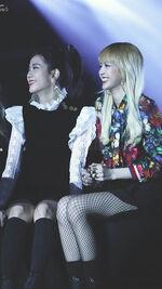 Jisoo and Lisa SBS Gayo