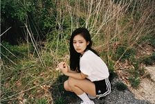 Jennie IG Update 250518 (5)