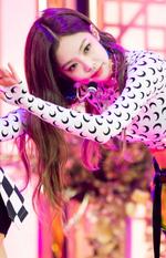 SBS Inkigayo Jennie 180613 3