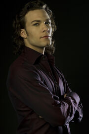 Kyle Schmid (tvs - Blood Ties) -