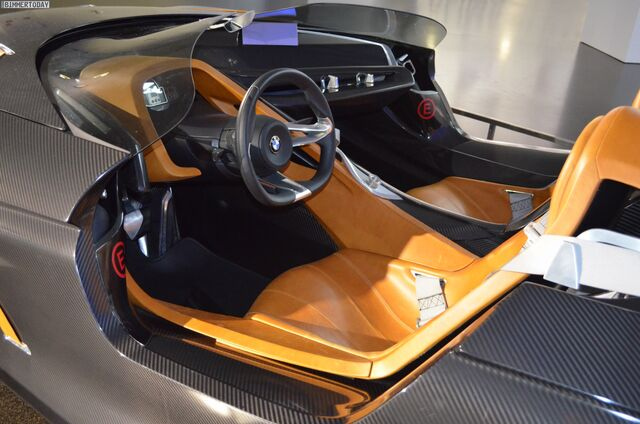 File:BMW 328 hommage-06.jpg