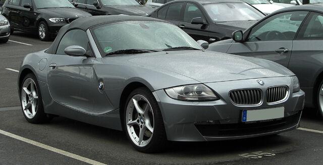 File:BMW Z4 (E85, Facelift) – Frontansicht, 28. Mai 2011, Düsseldorf.jpg