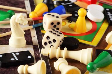 Dice-dominoes-and-game-pieces