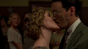 Richard-Harrow-gets-kissed