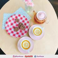 Yaya's biscuit and lemon tea