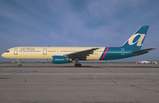 File:AirTran Boeing 757 0001.jpg