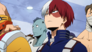 Shoto notices the opening