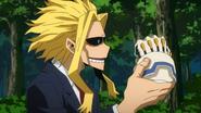 Toshinori admires Izuku's gloves
