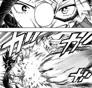 Itsuka Kendo attacks Momo Yaoyorozu