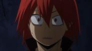 Eijiro listens to Izuku's plan