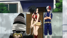 Shoto and Momo defeat Aizawa
