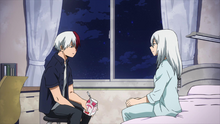 Shoto talking with his Mother in the hospital