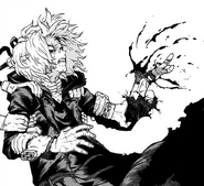 Tomura Shigaraki loses part of his hand