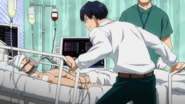 Tenya visits Tensei in the hospital