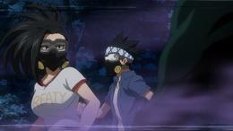 Yaoyorozu y Awase frente al Nomu