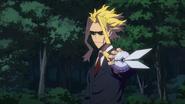Toshinori catches Mei's device (Anime)
