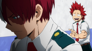 Eijiro comforts Shoto