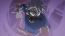 Tetsutetsu and Itsuka run through gas