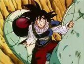 Goku arriba amb càpsula espacial