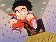 Goku salta trampa