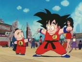 En Goku i en Krilin estrenen uniformes