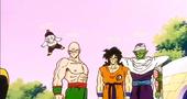Kaito informa a Ten, Chaoz, Yamcha i Cor Petit