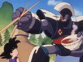 L'Ulong transformat amenaça en Goku