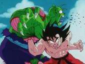 Goku cop estómac a Cor Petit