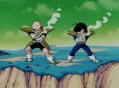 Gohan i Krilin ataquen Freezer