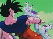 Freezer puntada a Goku