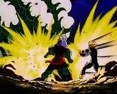 Gohan ataca bola amb Kamehameha elèctric