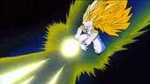 Gotrunks SG3 ataca Buu energia