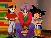 Pan, Goku i Trunks vestit de dona
