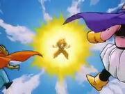 Goku transforma en Superguerrer fase 3