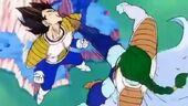 Zarbon ataca Vegeta