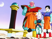 Gohan, Kaioshin i Kibito davant Espasa Z