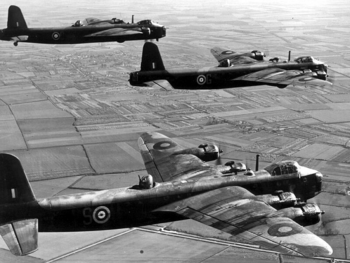 Short-stirling-bomber-02