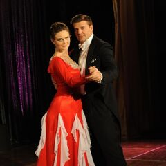Booth and Brennan dancing