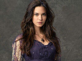 Odette-annable-wallapaper-15