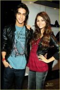 218px-389px-401px-Victoria justice 1276369330